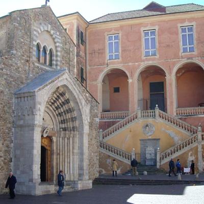 Il_portale_della_cattedrale_di_Ventimiglia